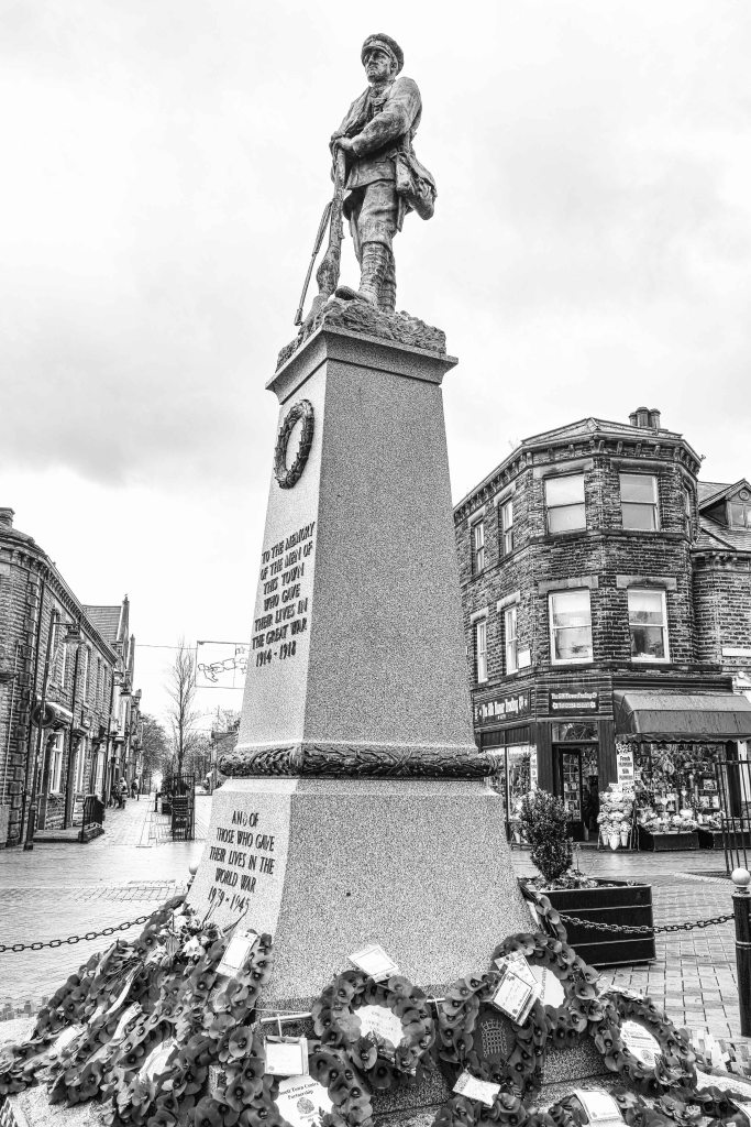 Ossett War Memorial | Sigma DP1 Merrill | www.richardjwalls.com